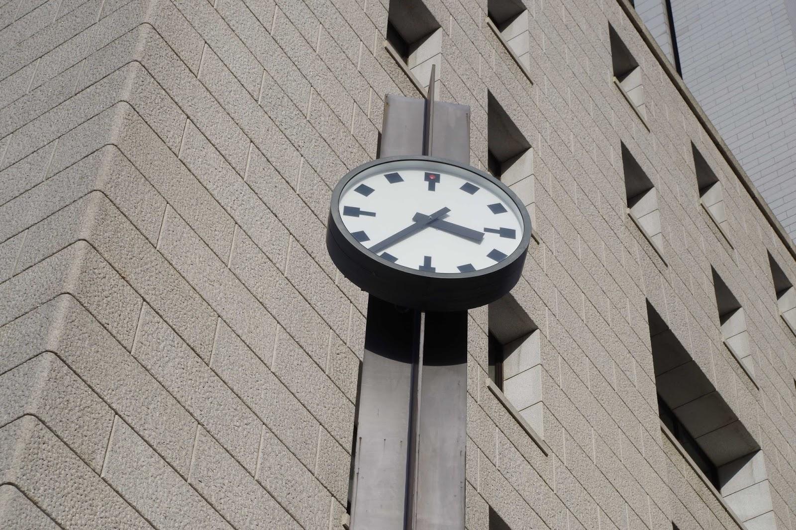 日比谷の時計2