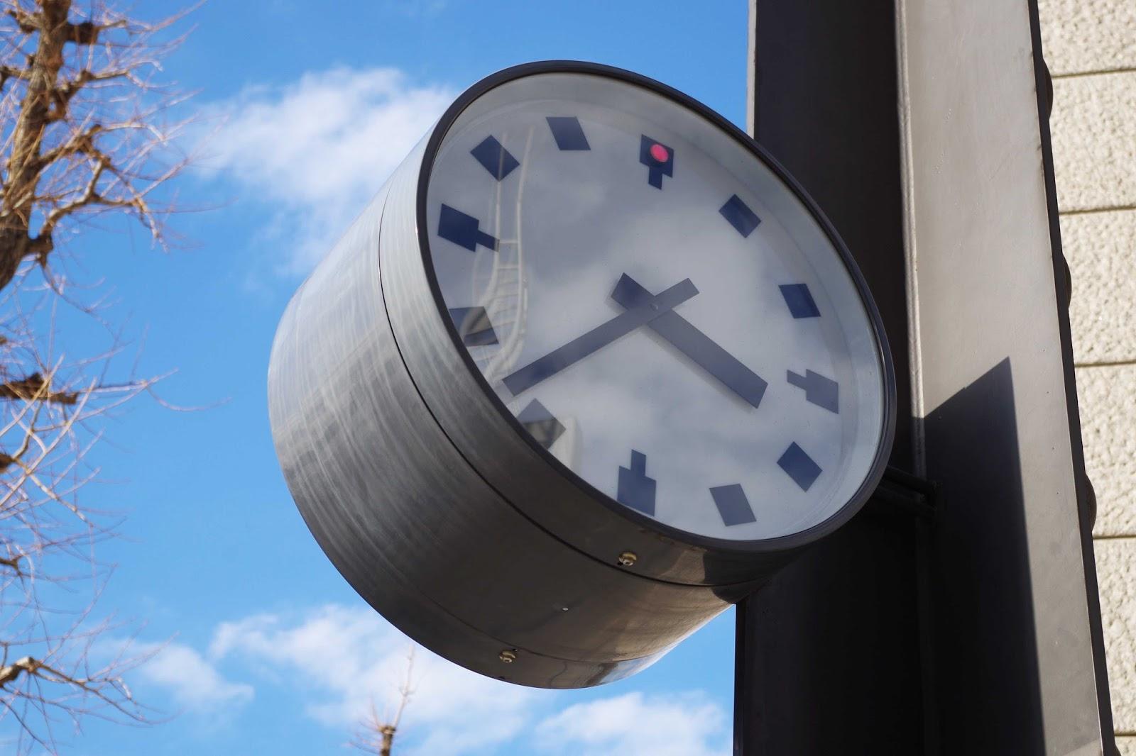 日比谷の時計3