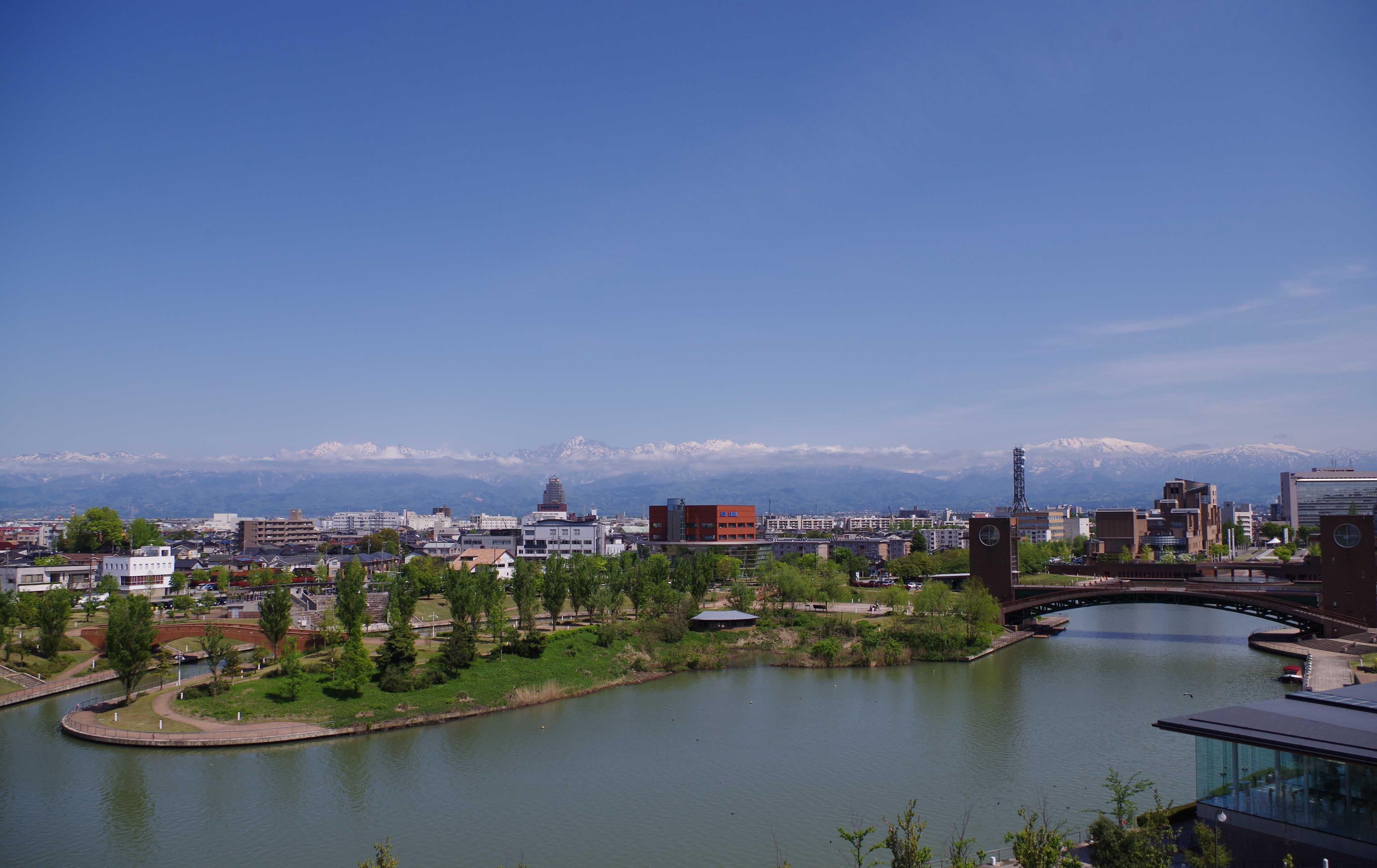 富山県美術館景色